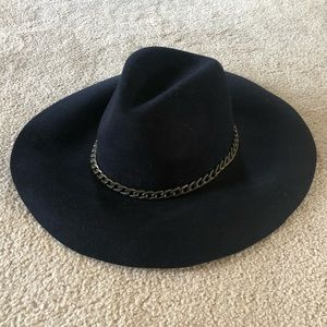 Large wide brim hat